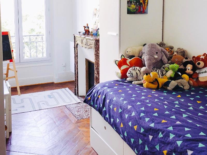Comment aménager une petite chambre garçon de 9m2 ? - Les ...